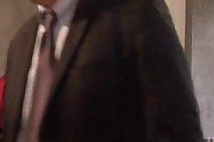 Начальница соблазнила молодого работника на кушетке